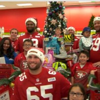 49ers Take Local Kids on Holiday Shopping Spree